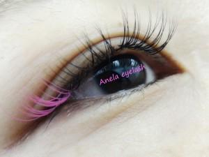 Anela32