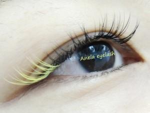 Anela35